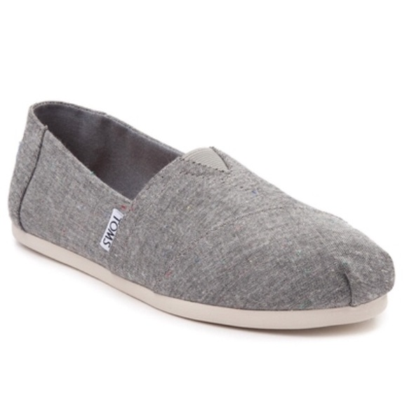 8706211eca2 NWT Toms Black Speckle Chambray Classic Slip-On